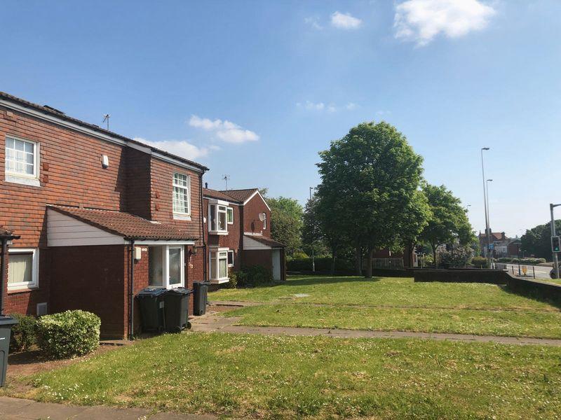 Lichfield Road, Aston B6 5sy