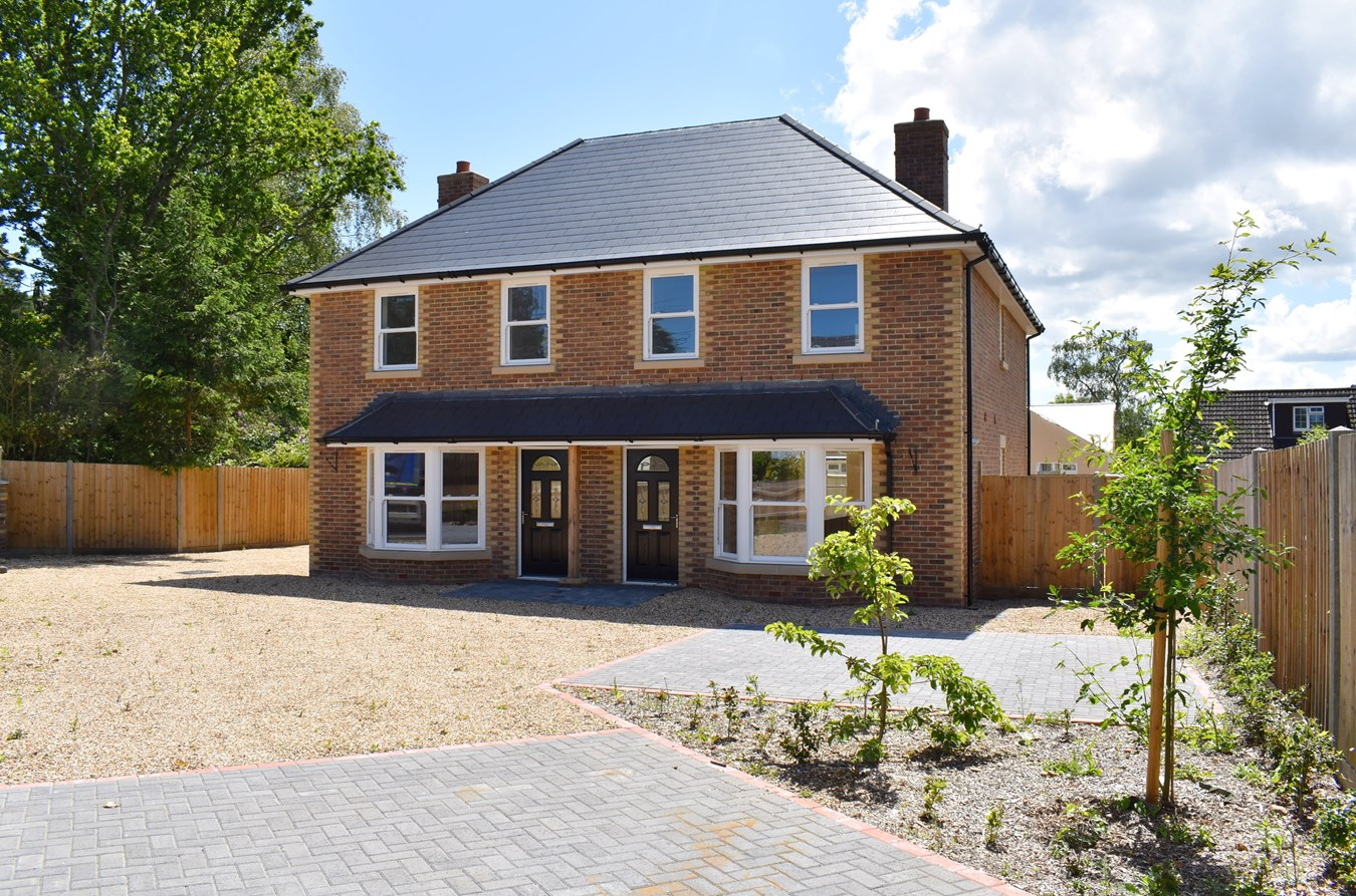 Woolsbridge Road, St Leonards, Ringwood, BH24