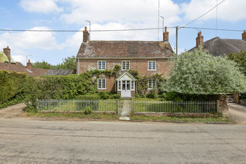 Queen Anne Cottage, Hilcott, Pewsey Vale
