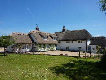 Bushton Lodge, Bushton