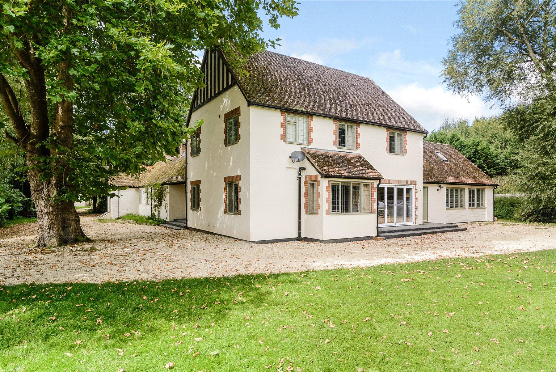Standlake, Witney, Oxfordshire, OX29