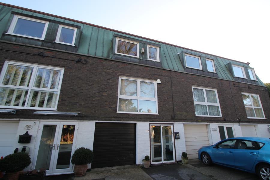 Violet Lane, Croydon, Surrey, CR0