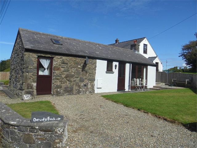 Beudy Bach, Penparc, Trefin, Haverfordwest, Pembrokeshire