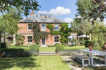 Little Manor, Woodborough