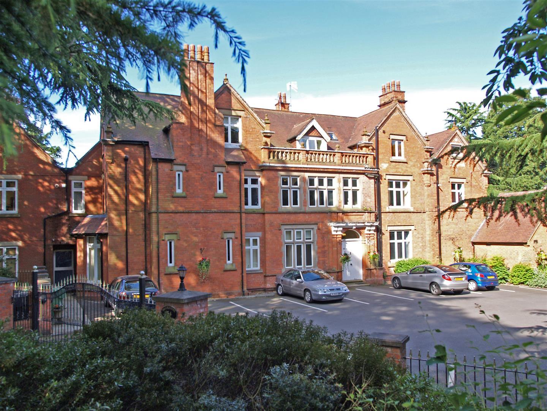 9 Stretton Croft, Brookhouse Road, Barnt Green, B45 8JS