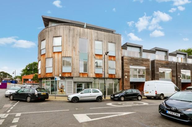 156 Gordon Road,  Peckham, SE15