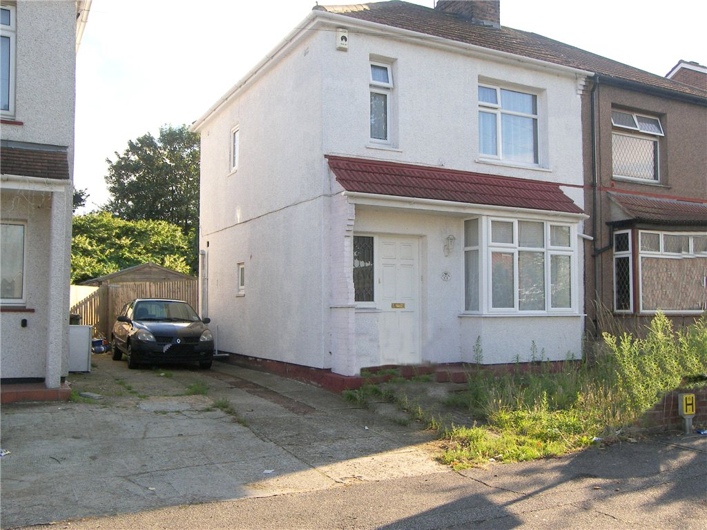Lincoln Road, Slade Green, Kent, DA8