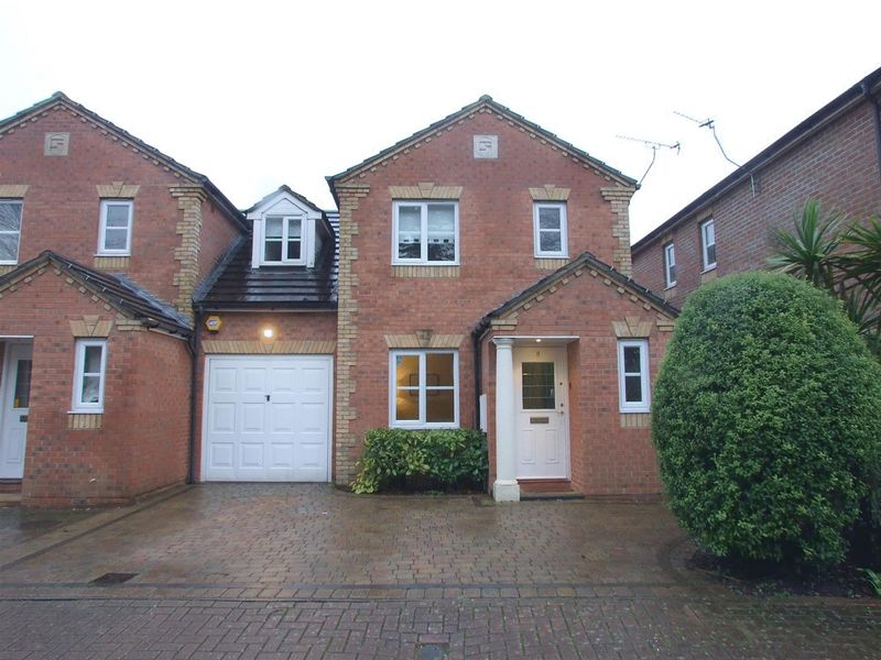 Dittoncroft Close, East Croydon / Lloyd Park