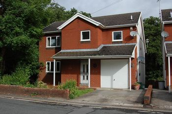 Tycroes Road, Ammanford
