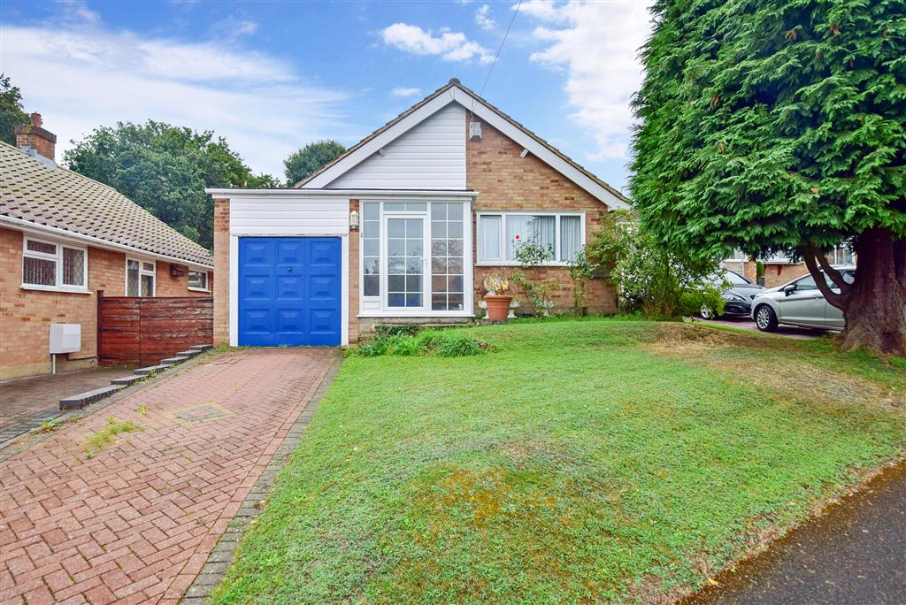 Quakers Close, , Hartley, Longfield, Kent