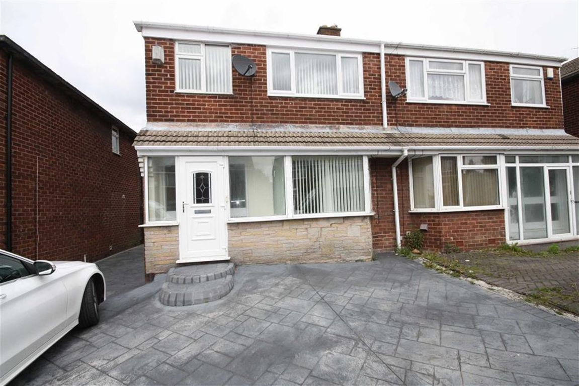 Carlisle Crescent, Ashton-Under-Lyne, Tamneside