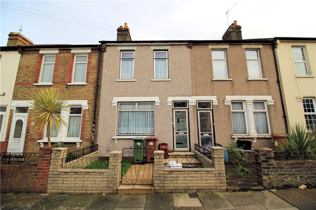 Hurst Road, Northumberland Heath, Kent, DA8