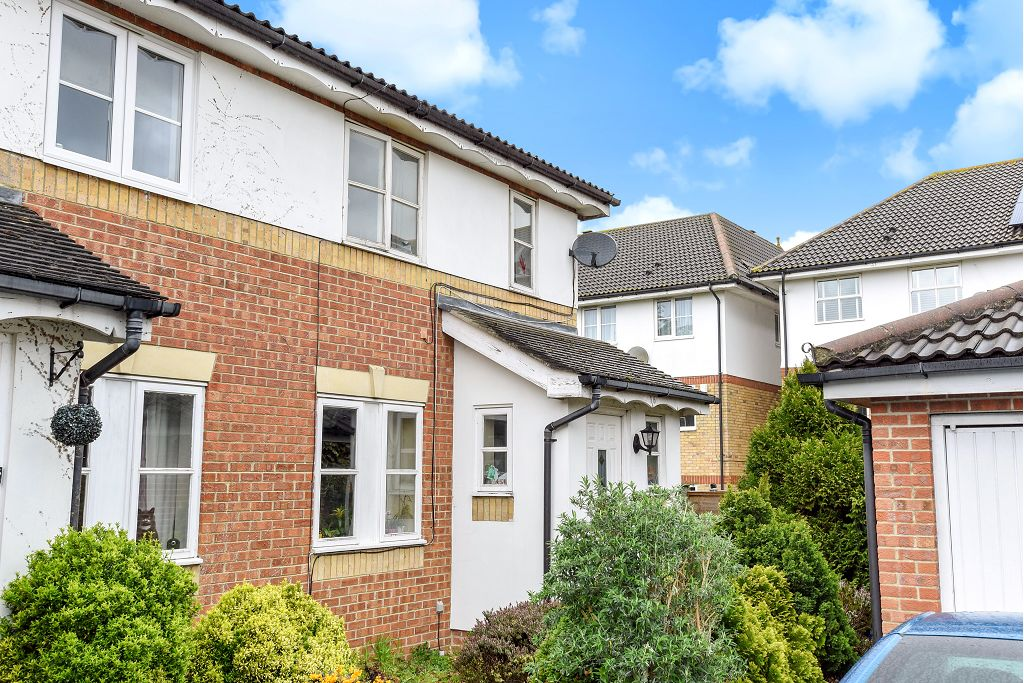 Chelmsford Close, Belmont Heights, South Sutton, Surrey, SM2 5BG