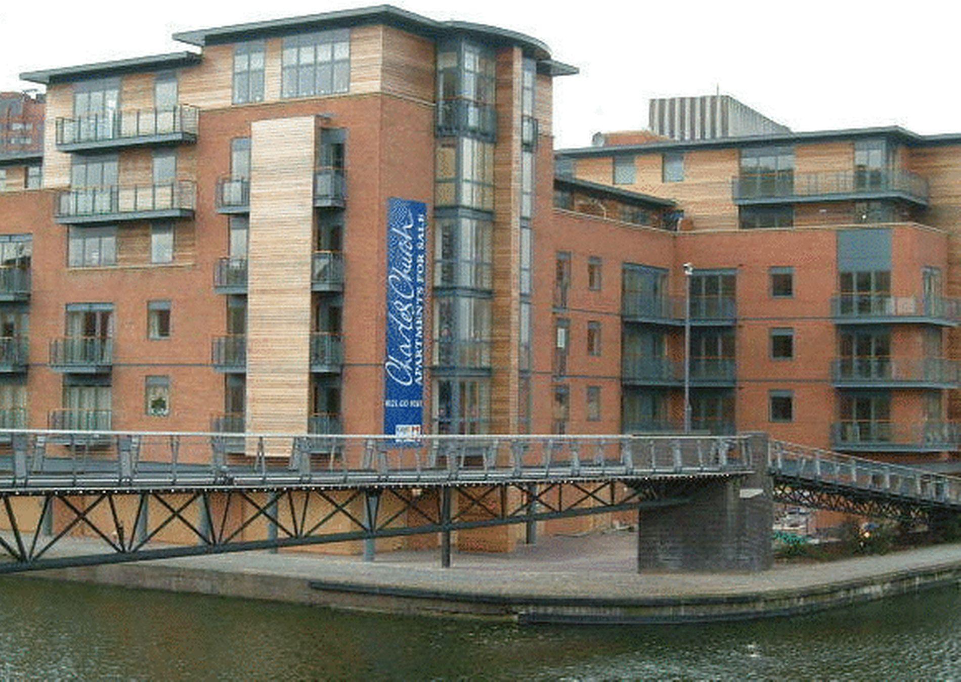 Waterfront Walk, Birmingham, B1 1sz