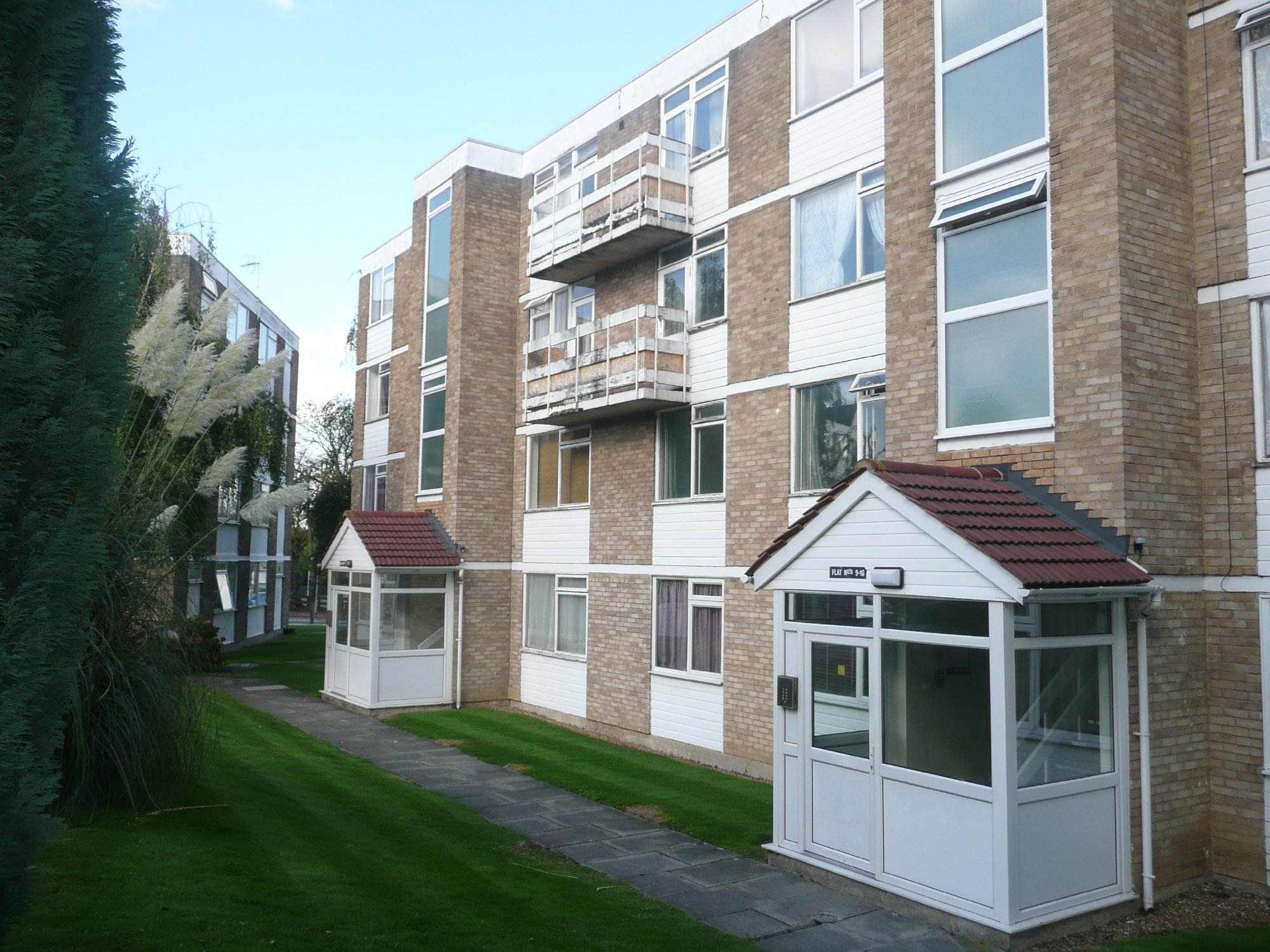 Pickwick Court, West Park, Mottingham, SE9