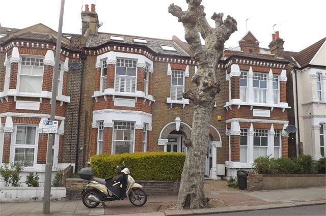 Earlsfield Road, London