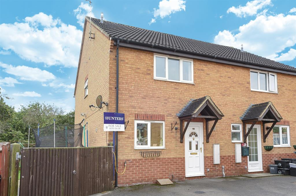 Braemar Close, Carterton, OX18 1TS