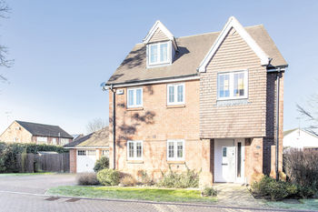 Gosling Close, Wanborough