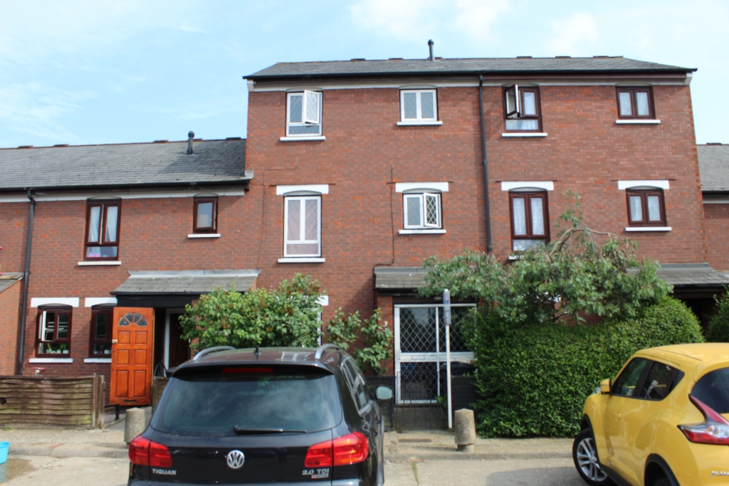 Englefield Close, Croydon, CR0