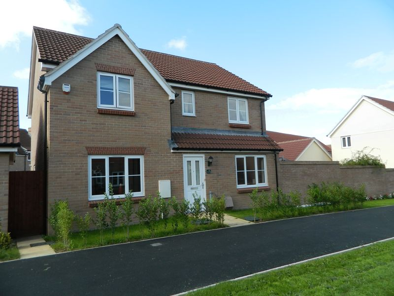 Stunning 4 Bedroom Detached At Tundra Walk, Bridgwater