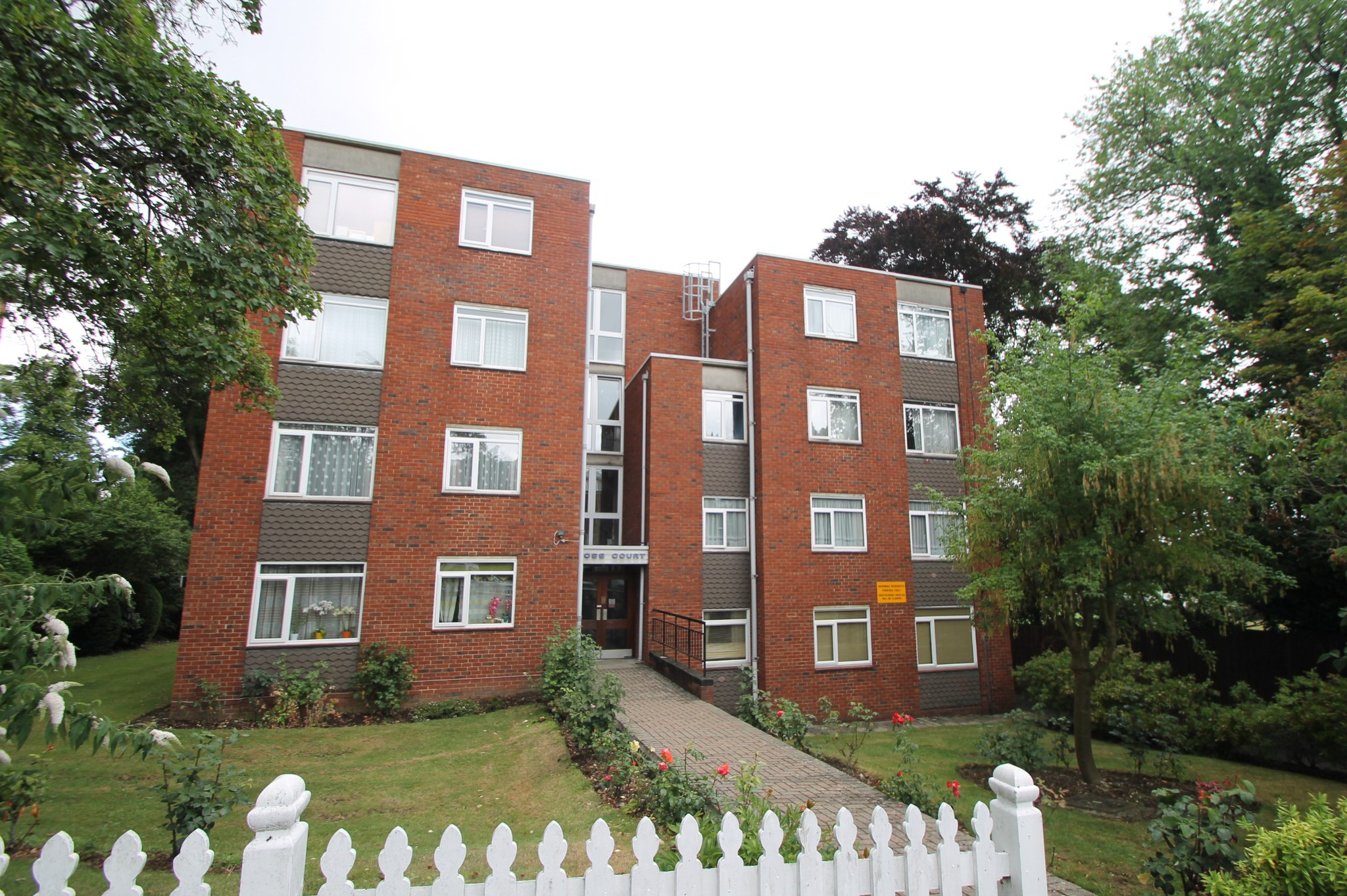 Ross Court, 10 Haling Park Road, South Croydon, CR2