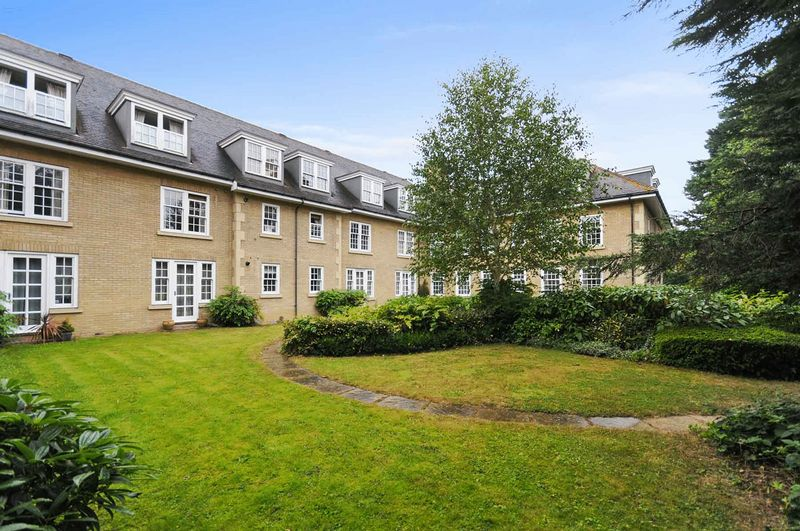 Two Bedroom Apartment Set Within Prestigious Gated Development