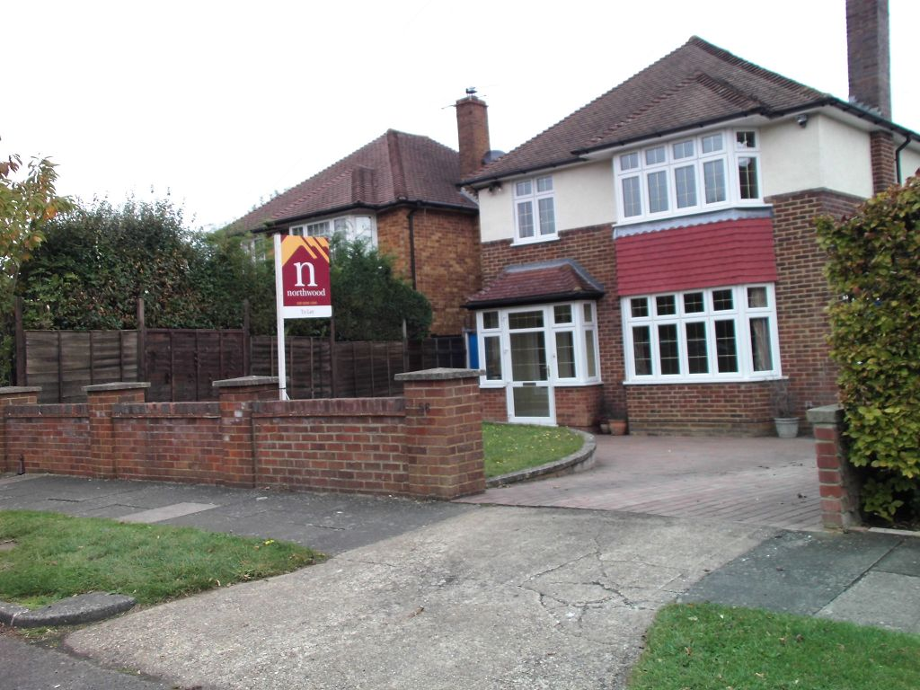 North View Crescent, Epsom, KT18 5UR