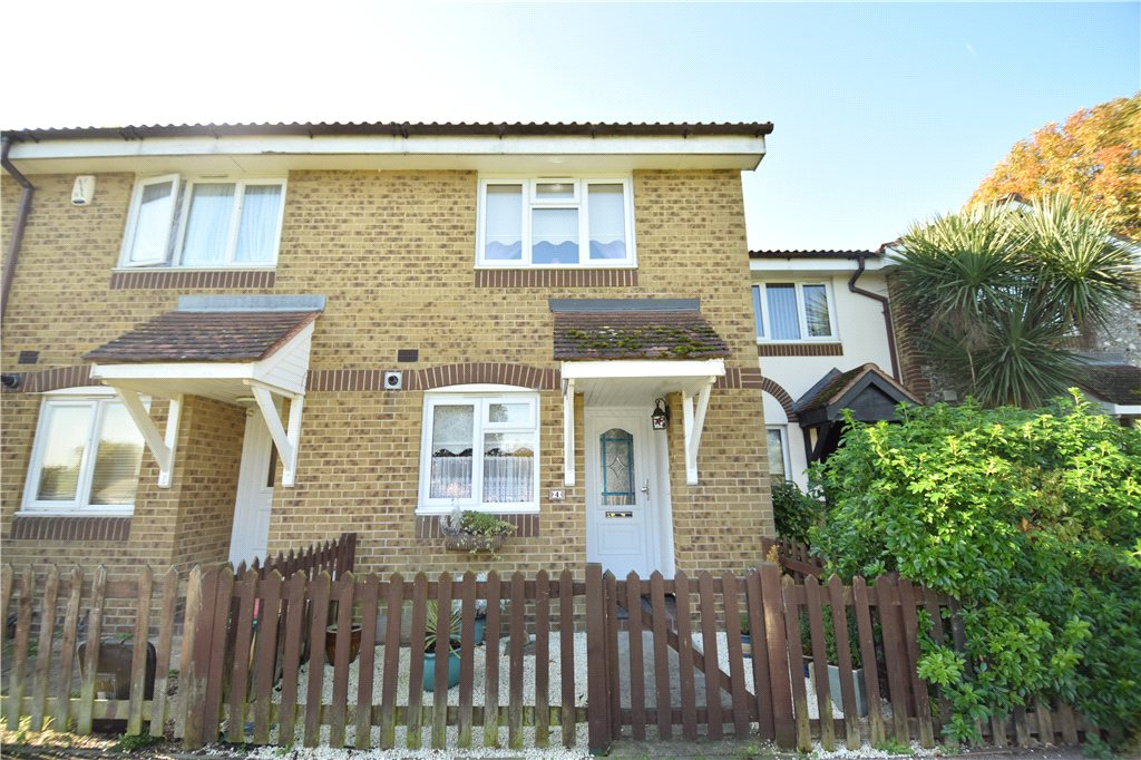 St. Peters Close, Swanscombe, Kent, DA10