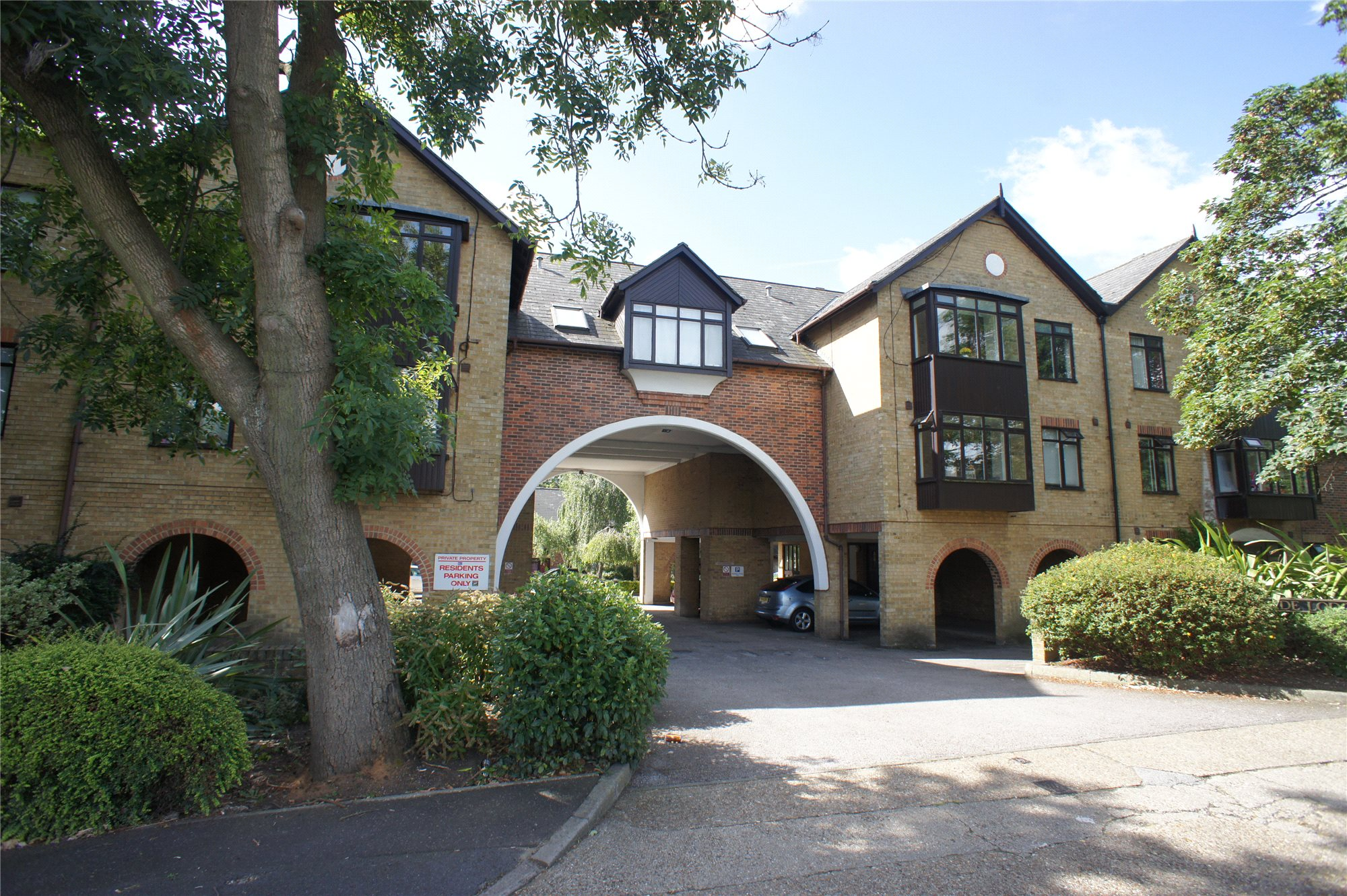 Parkside Lodge, Erith Road, Belvedere, Kent, DA17