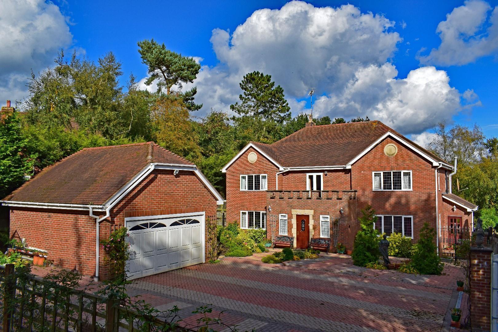 Schönberg Haus, 1A Edgewood Drive, Barnt Green, B45 8GD