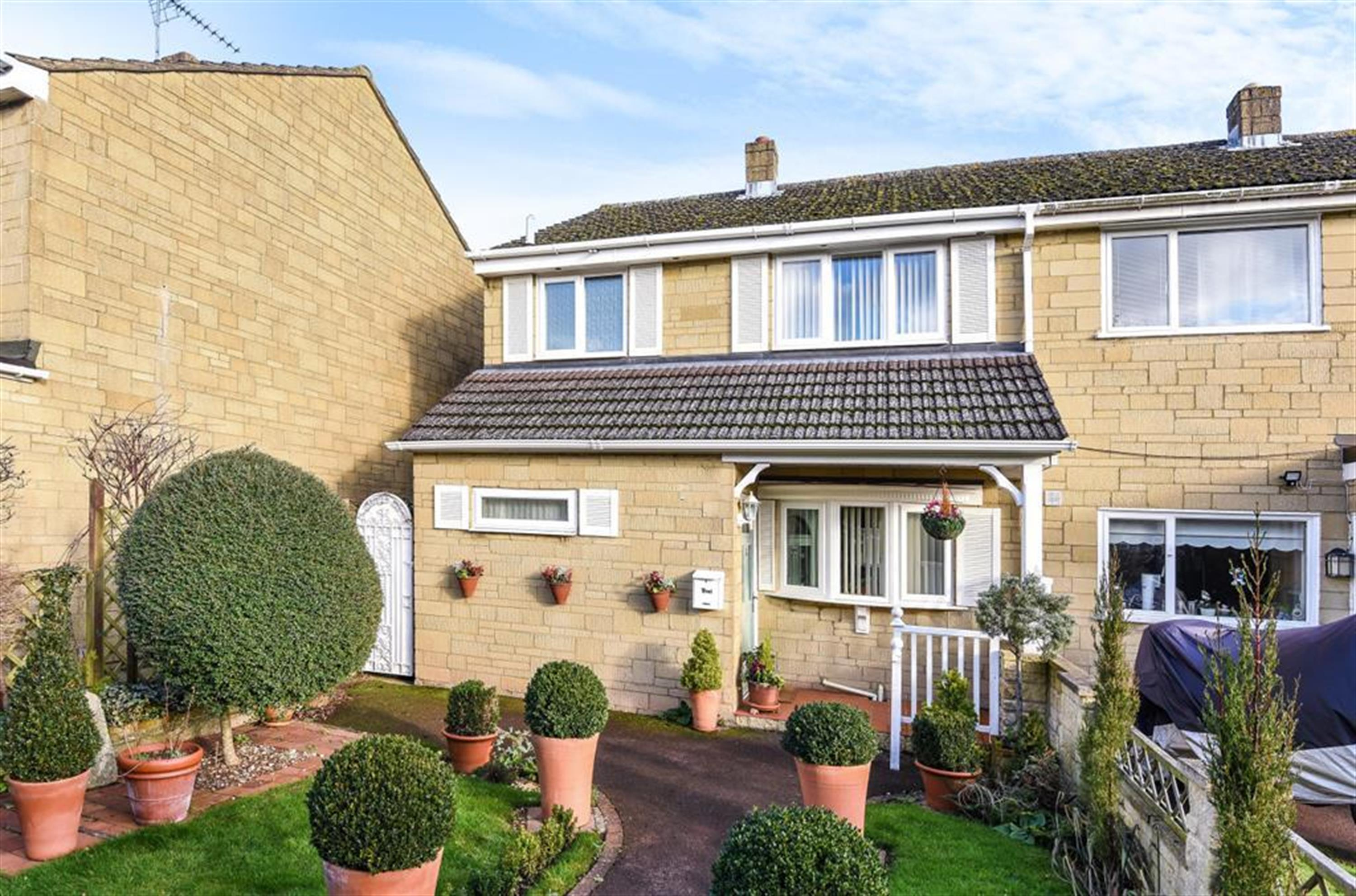 Finchdale Close, Carterton, OX18 3BT