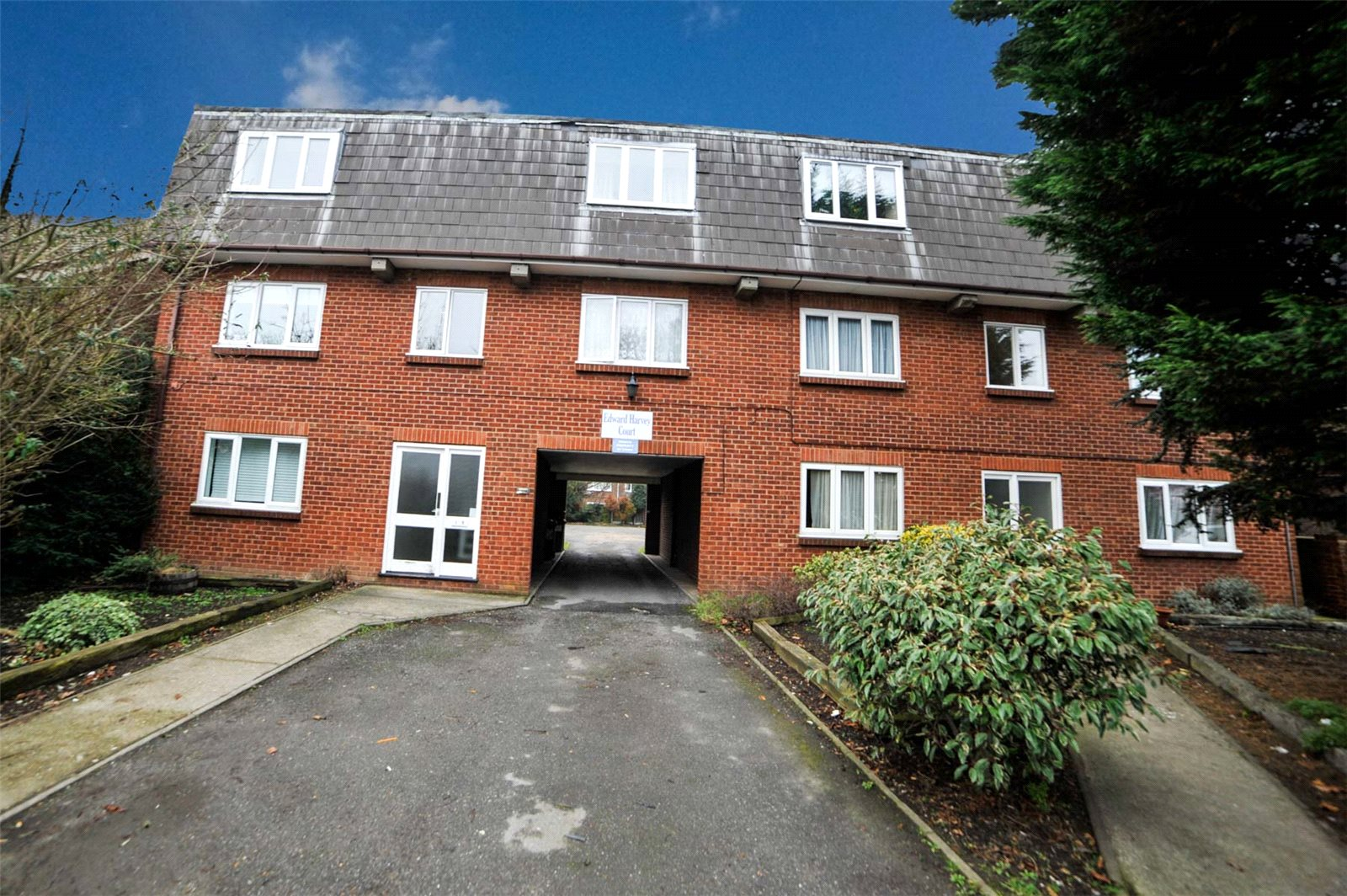 Flat 4, Edward Harvey Court, Woolwich Road, Belvedere, DA17