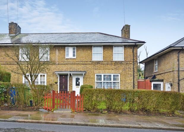 Athenlay Road,  Peckham, SE15
