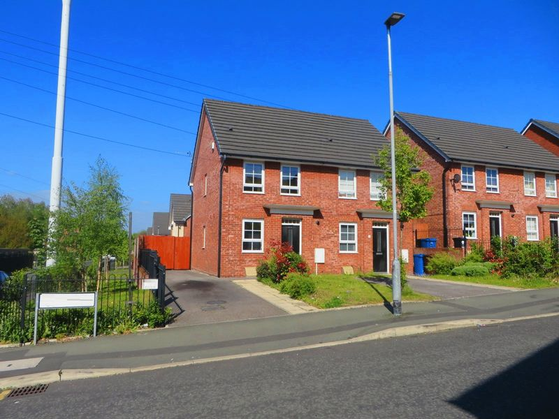 Now Let & Managed - Johnson Street, Radcliffe, M26 1aw