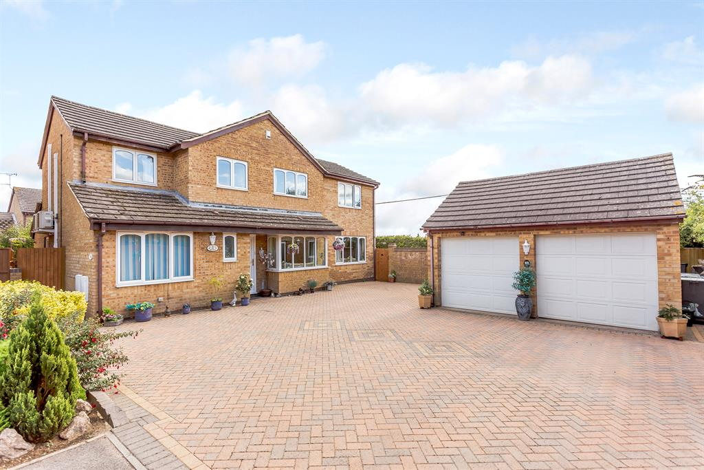 Garner Close, Carterton, OX18 1GA