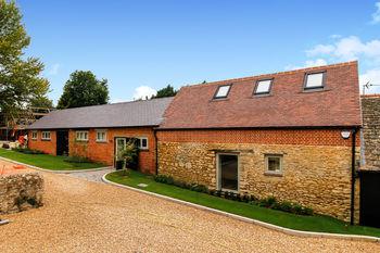 Alba, Overford Farm, Wytham Village