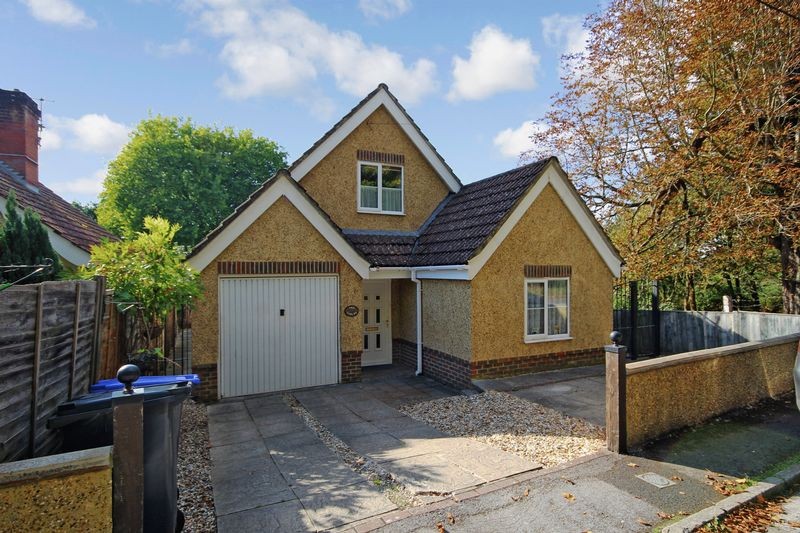Marshmead Close, Clarendon, Sp5