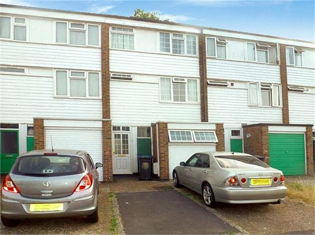 Essex Close, ADDLESTONE, Surrey