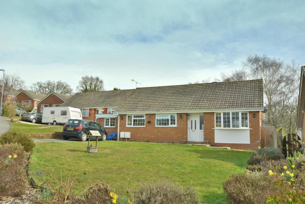 Ashmeads Close, Colehill, BH21 2LG