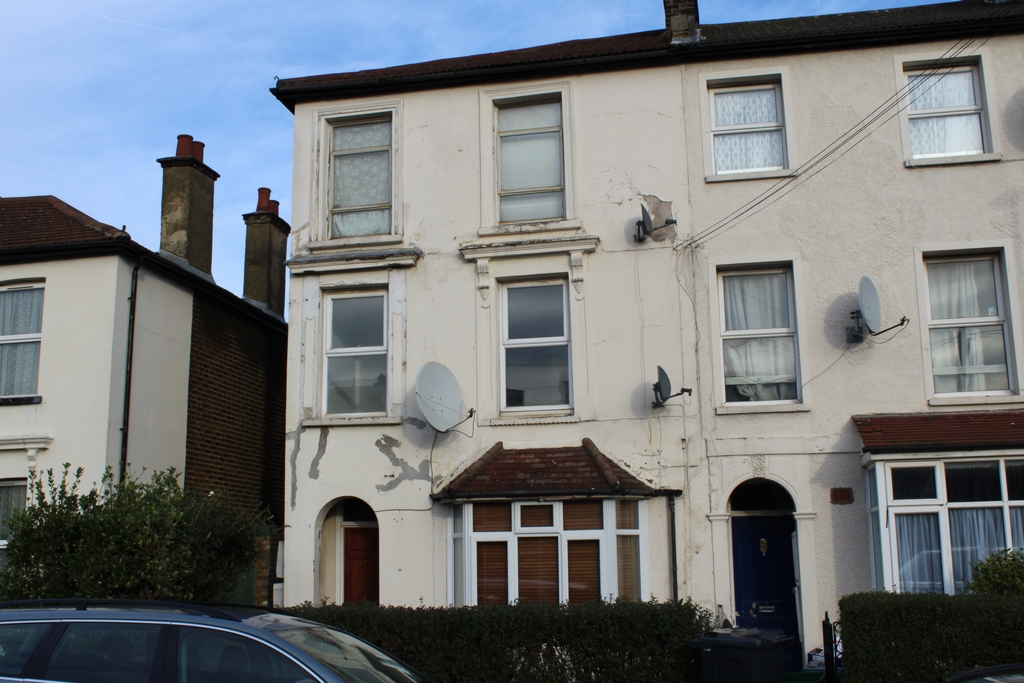 F  Flat 2, Newhaven Road, South Norwood, SE25