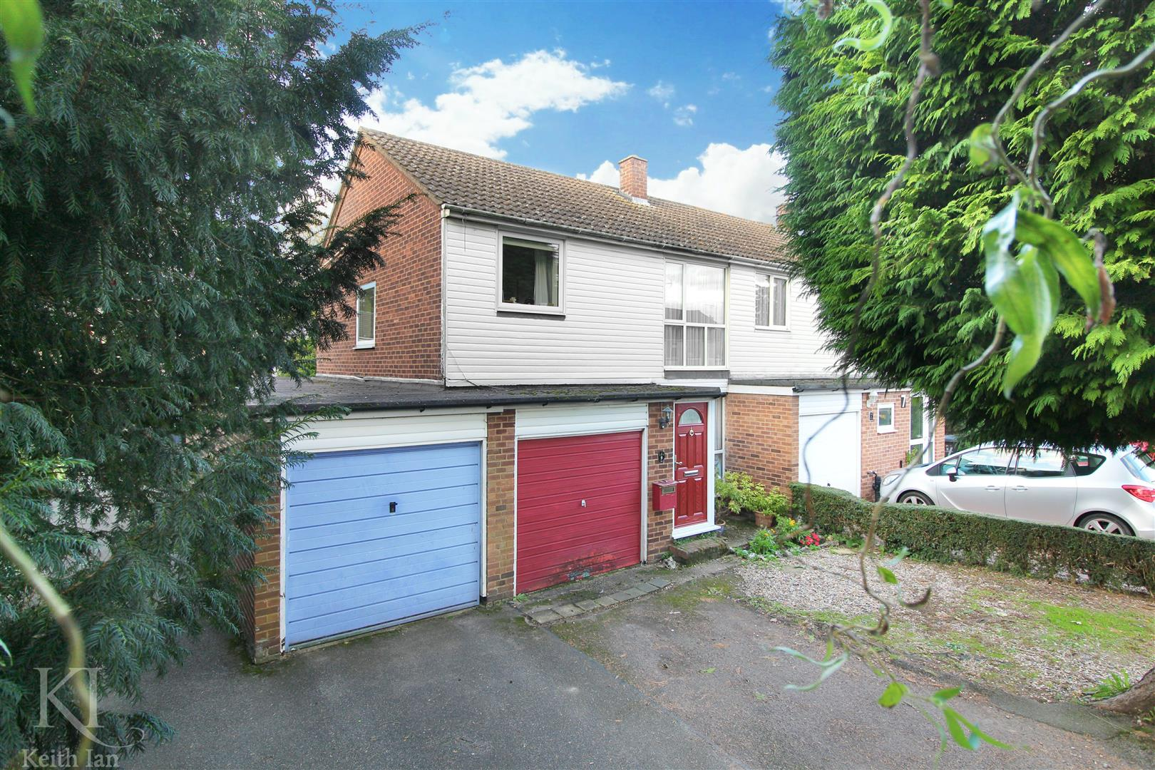 Orchard Close, Stanstead Abbotts, Ware