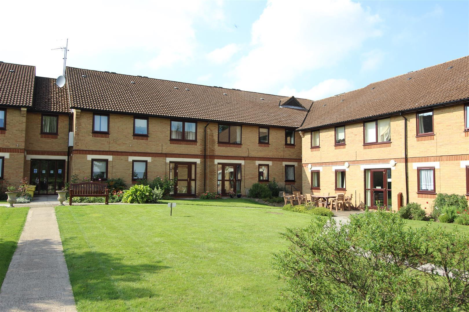 Ivyfield Court, Central Chippenham