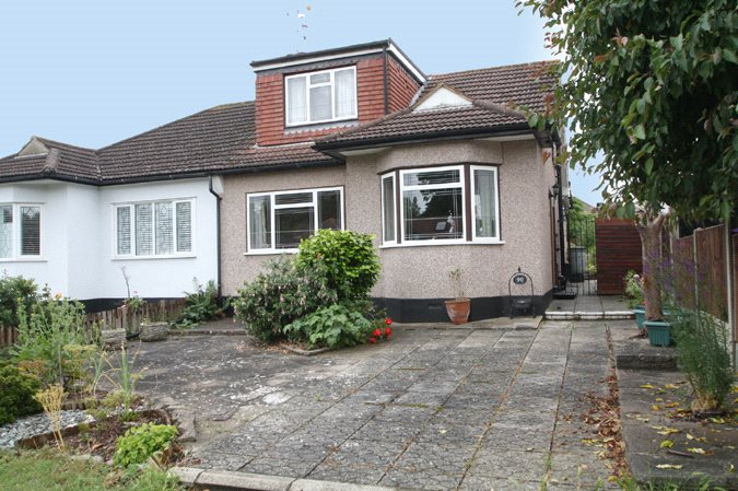 Vardon Drive, Leigh-on-Sea, Essex, SS9