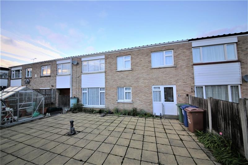 Oxwich Close, Corringham, SS17