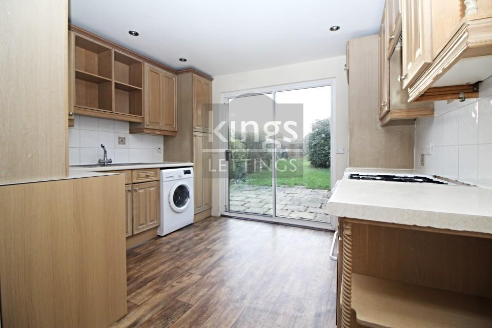 Lambton Avenue, Waltham Cross, EN8