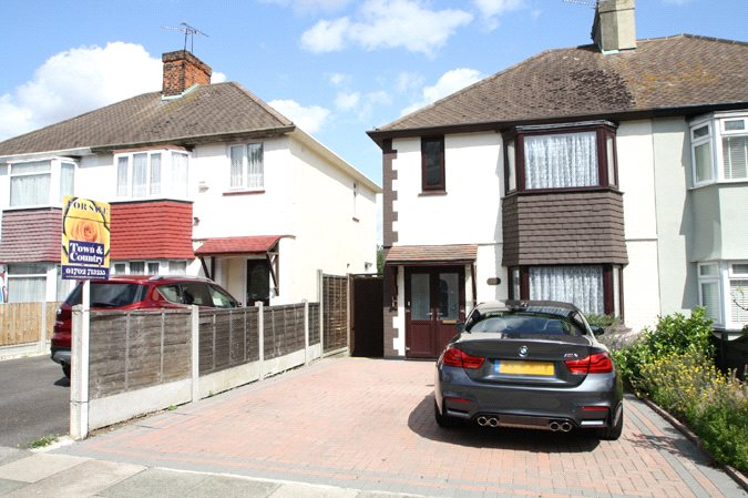 Carlingford Drive, Westcliff-On-Sea, Essex, SS0