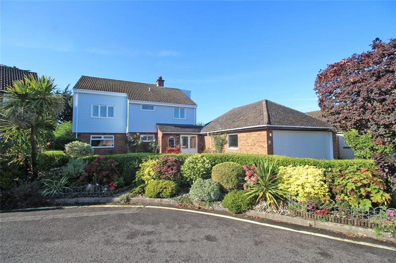 Vecta Close, Friars Cliff, Dorset, BH23