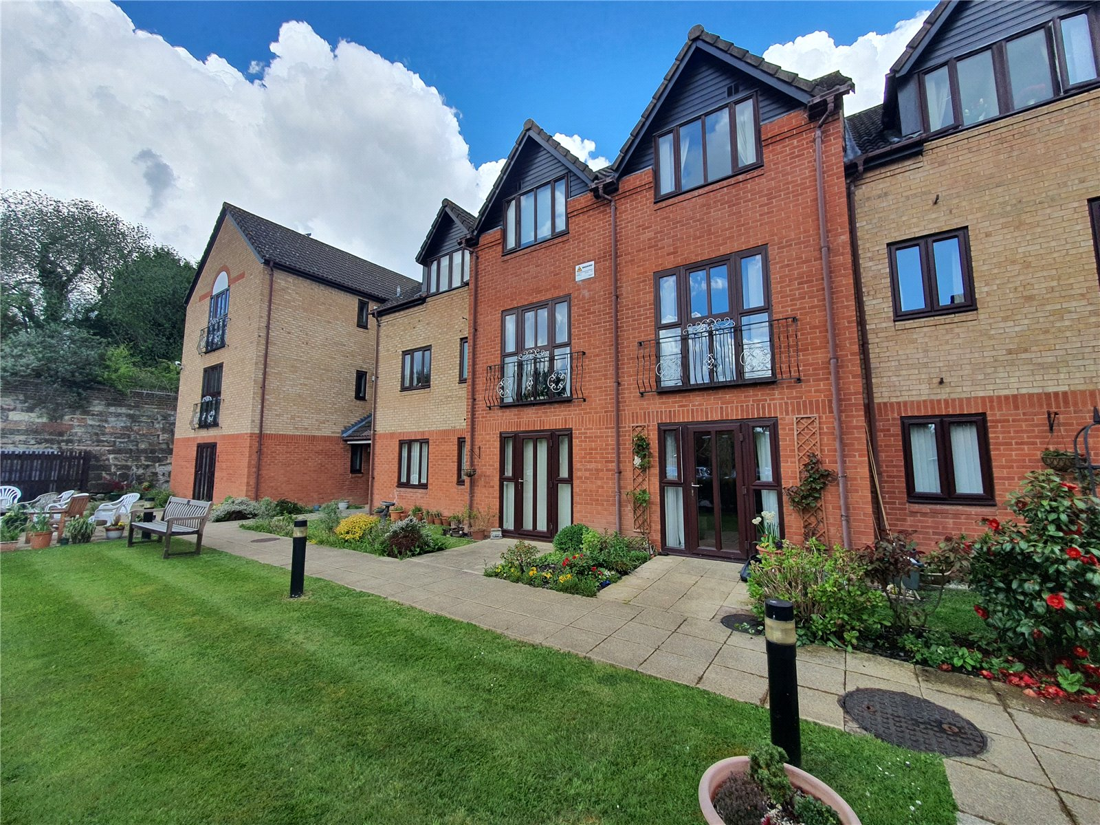 Kingfisher Court, Woodfield Road, Droitwich, WR9