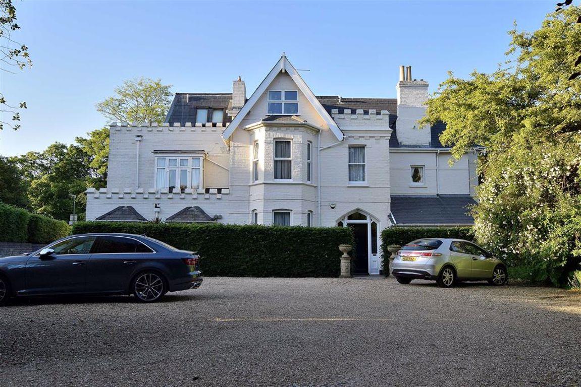 Dean Park Road, Bournemouth