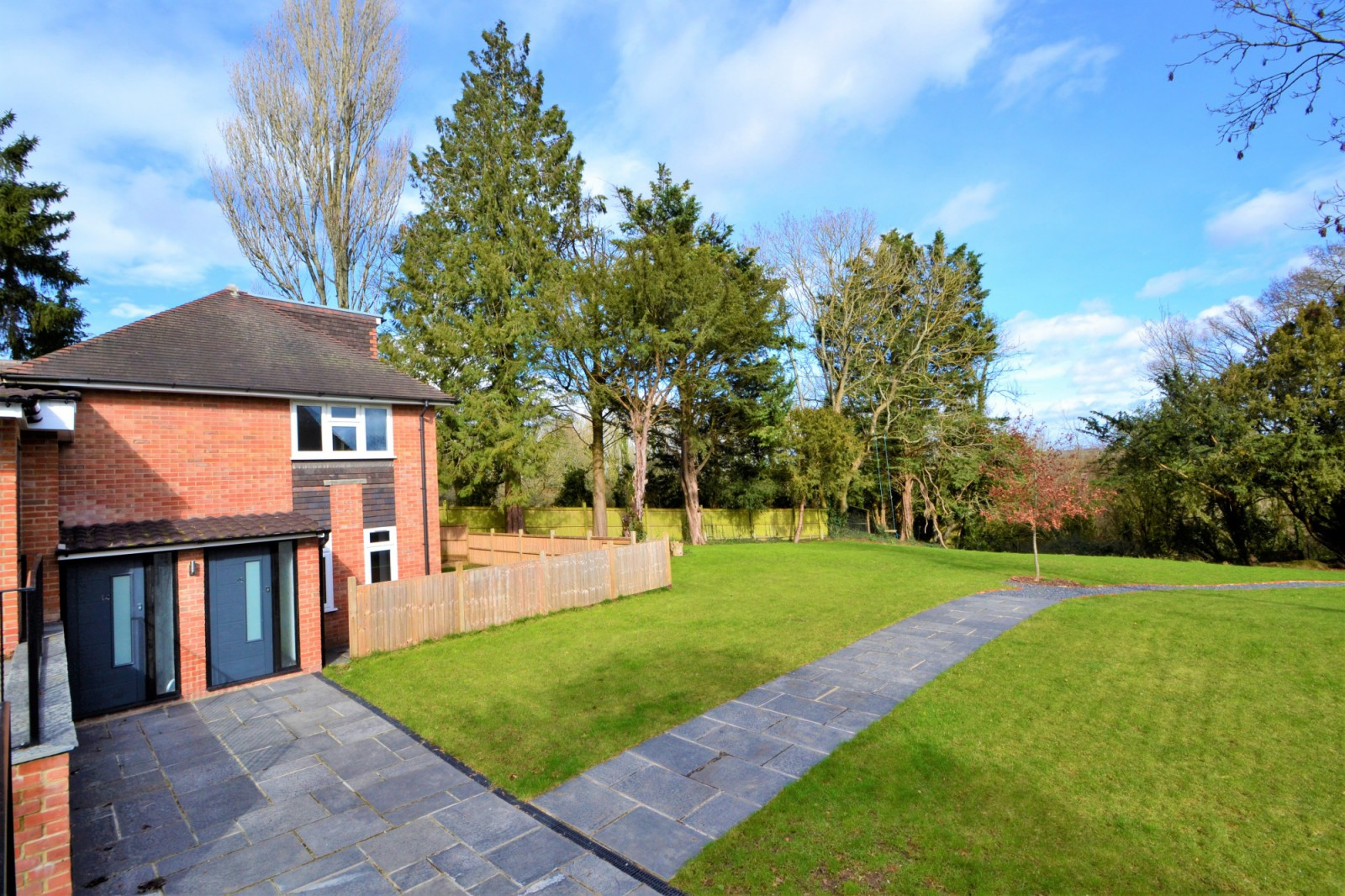 14 Bishops Retreat, Southdown Road, Shawford, Winchester SO21 2BY